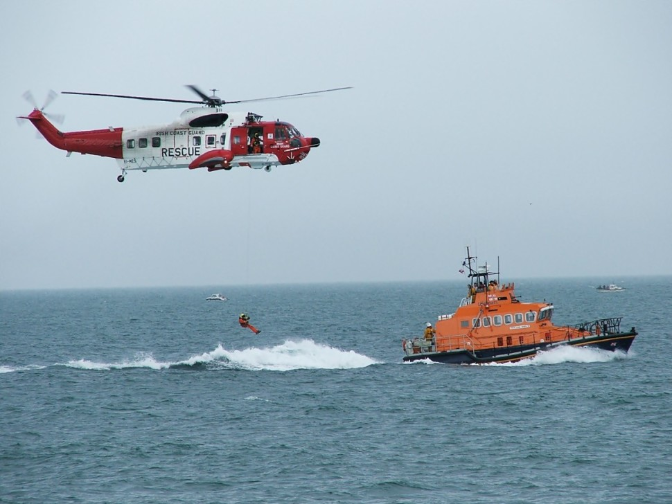 Irish_Coastguard_Helicopter_RNLI_Rescue_Demonstartion-1170x878